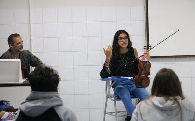 O SDB recebe jovem venezuelana para diálogo sobre atual situação do país