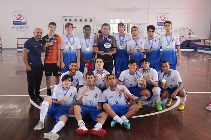 Equipes de Futsal SDB medalhistas no Jinpas