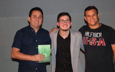 Educando do Salesiano Dom Bosco publica seu primeiro livro