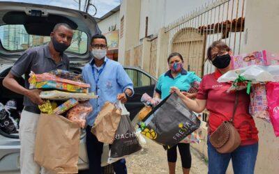 Colaboradores do Salesiano Dom Bosco entregam doações de brinquedos